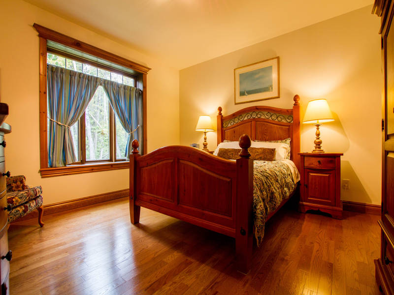 la maison du lac bernard bed and breakfasts la p che lodging qu becoriginal. Black Bedroom Furniture Sets. Home Design Ideas