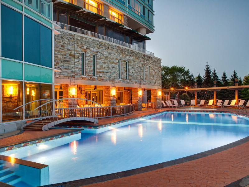 Hilton lac leamy hotels gatineau hull lodging for Piscine exterieure