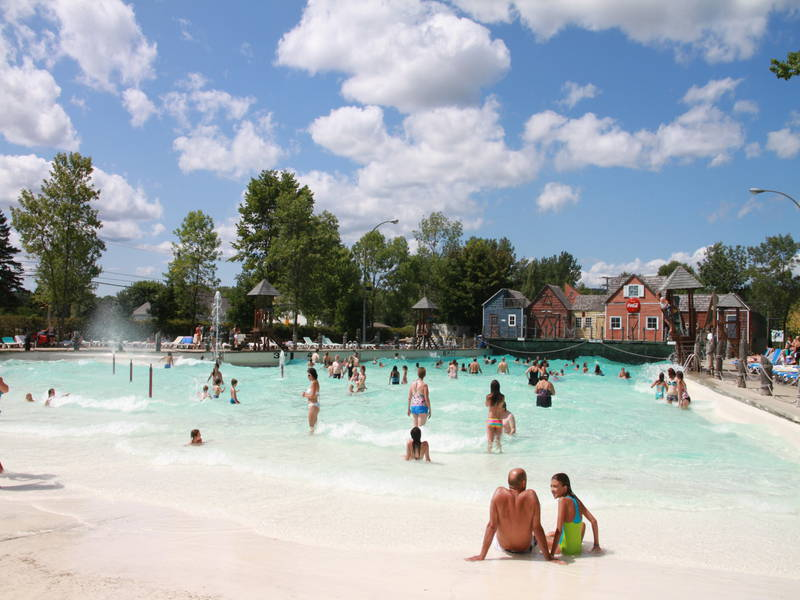 Super aqua club pointe calumet water parks for Piscine club piscine