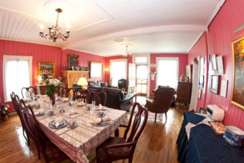 G te la maison hovington bed and breakfasts tadoussac for Auberge maison hovington
