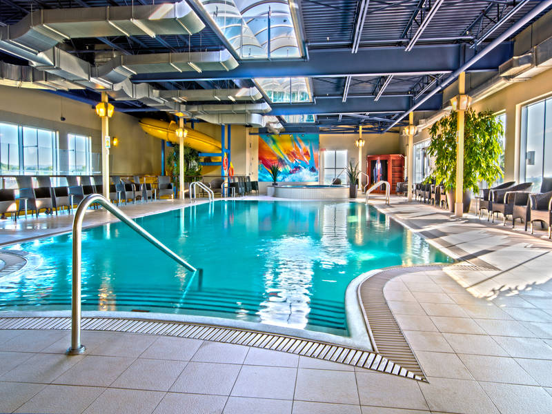 H tel must hotels l 39 ancienne lorette lodging for Piscine new york