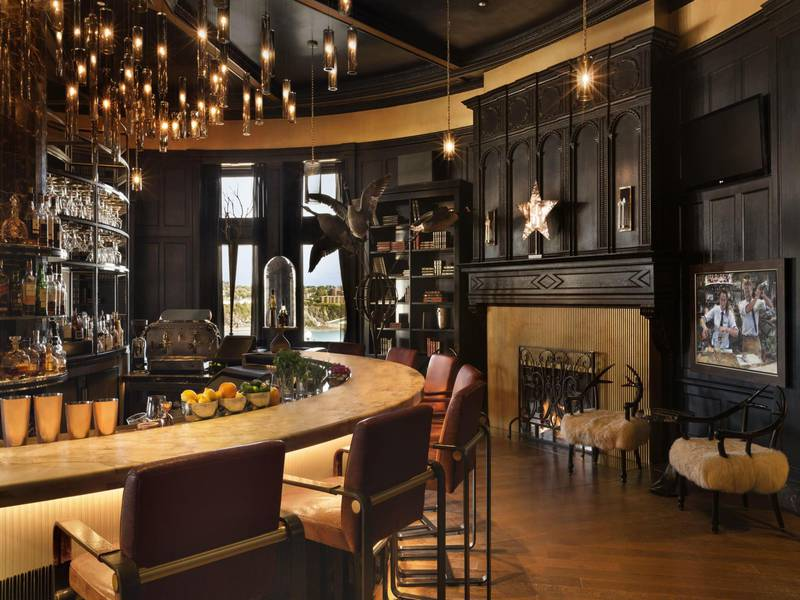 1608 bar vin fromage bars qu bec city borough of la cit limoilou entertainment. Black Bedroom Furniture Sets. Home Design Ideas