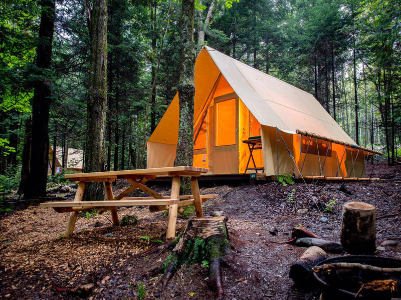 camping huttopia sutton campgrounds sutton lodging. Black Bedroom Furniture Sets. Home Design Ideas