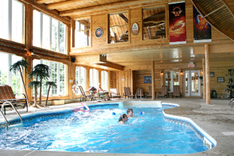 Auberge du vieux moulin hotels sainte m lie de l for Piscine moulins