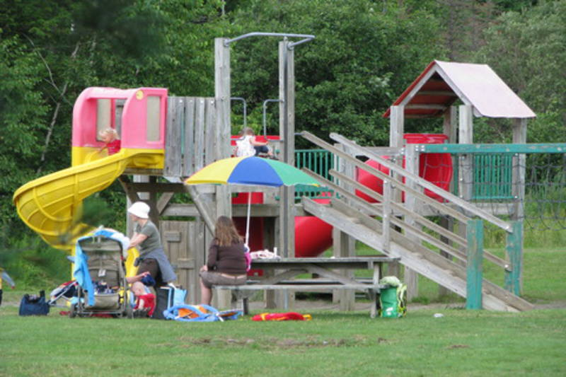 Camping parc national du mont orford lac fraser for Camping lac du bourget piscine