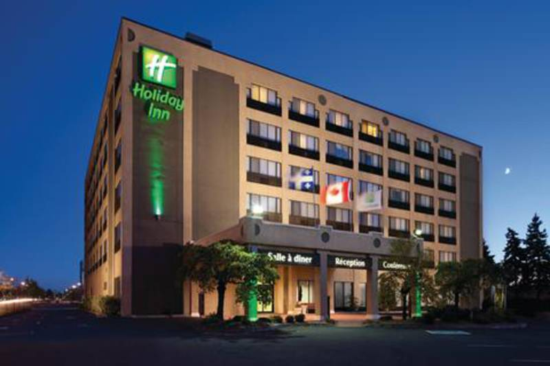 H tel holiday inn montr al longueuil h tels longueuil for Patinage exterieur quebec