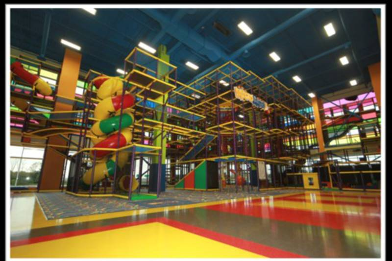 Centre d 39 amusement woohoo centres sportifs et r cr atifs for Amusement interieur