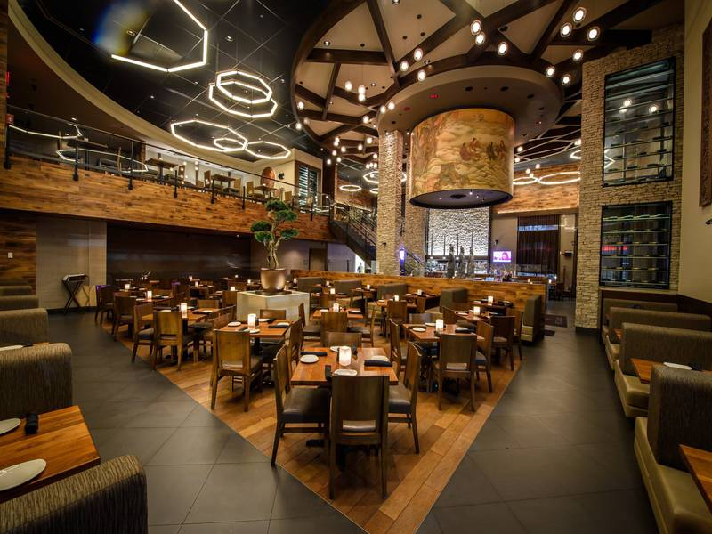 P f changs montr al restaurants montr al saint for Salle a manger montreal restaurant