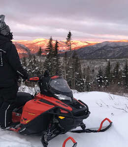 Snowmobile rental in Charlevoix